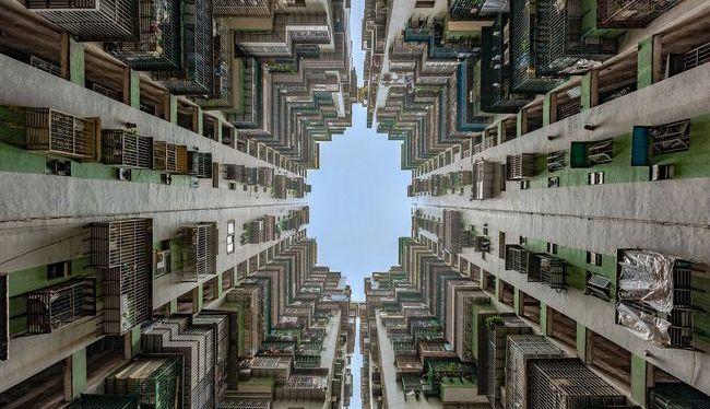 Série fotográfica de brasileiro mostra o céu de Hong Kong emoldurado porprédios